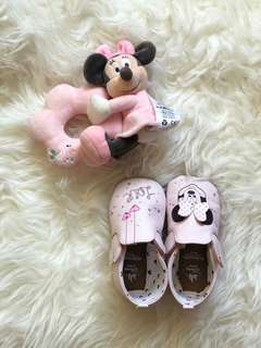 Minnie mouse rattle & shoes