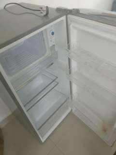 Fridge for spare parts