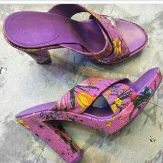 Gucci floral vintage limited heels