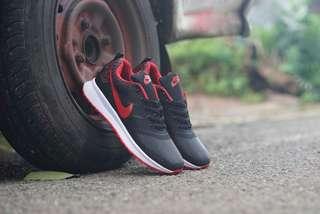 READY :Nike soom SEPATU santay