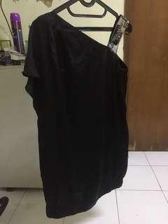 Solemio one shoulder dress