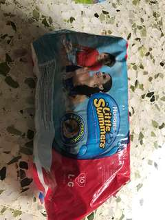 Huggies little swimmers swim diaper