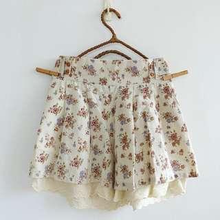 全新品 日系田園花草風紐釦布蕾絲雙邊口袋鬆緊腰棉麻質感褲裙 有內裡 米白色