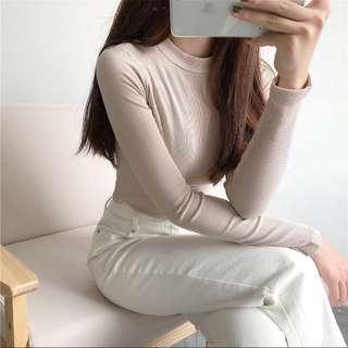 奶杏色短版上衣 #女裝88