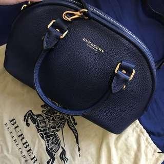 🈹$4200 Burberry Prorsum 2 ways Bag