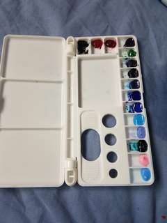 Assorted paints palette (2 is daniel smith, 2 is holbein )