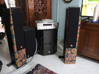 Used hi end onkyo 5.1home theather THX/DTS system solid wood speakers with subwoofer