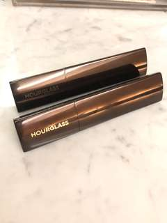 Hourglass Vanish Foundation - shell