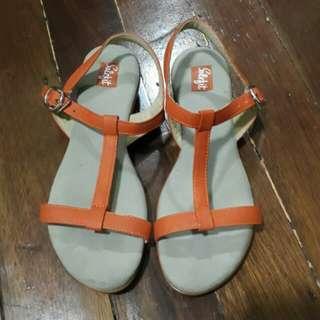 Solefit sandals size 7