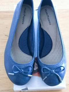 Hush Puppies pumps in navy blue