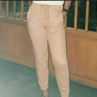 jogger pants and white pants 2 for 500