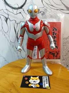 楳圖一雄 超人吉田 Ultraman  artsorm sofubi