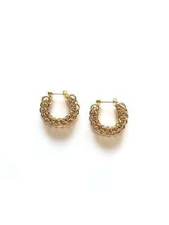 Gold plated studded earring (handmade)