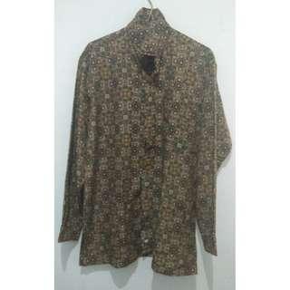 Kemeja Pria Batik Coklat Lengan Panjang