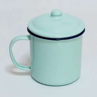 Retro Vintage Enamel Container Drinking Mug Cup With Cover Lid (9cm x 9cm)