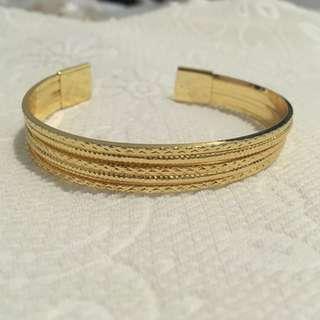 Gold bracelet no. 1