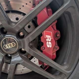 Audi RS 8 Pot Brembo Brakes in RED