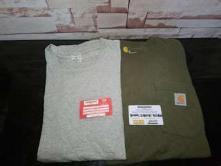 Carhartt crewneck as pack size medium