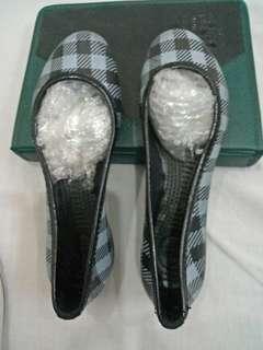 Sepatu croc import