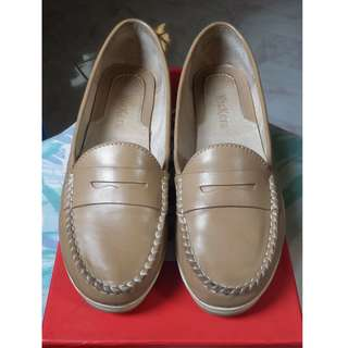 KICKERS Leighton Beige Shoes
