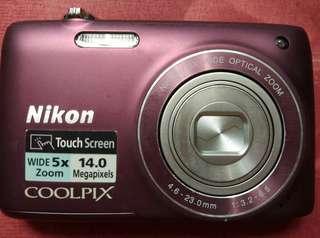 Nicon Camera touch screen