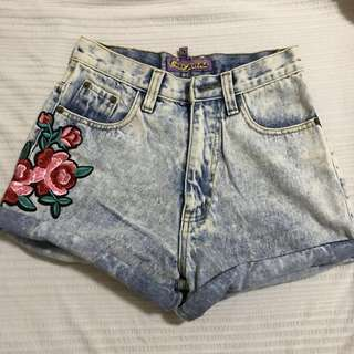 REPRICED: Denim shorts with floral detail