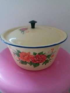 舊款國產大陸制鐵碗一個