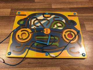 Wooden Magnetic color sorting Maze