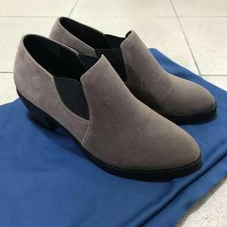 氣質卡其棕麂皮高跟踝靴 (送麂皮鞋刷) #女裝半價