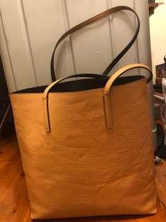 Chestnut shoulder bag