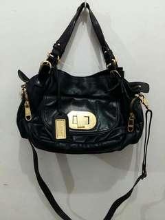Badgely Mischka Black Leather Turn Latch Handbag Purse