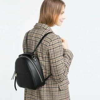 zara woman backpack