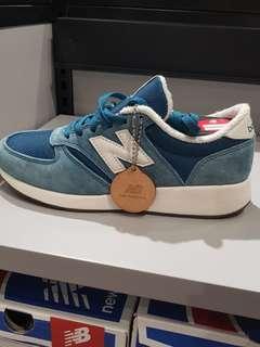 SALE New Balance Shoes