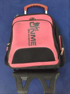 UnMe Detachable school bag