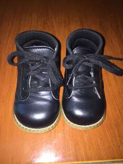 Pre love boots