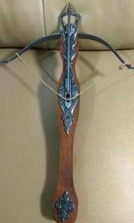 弩-西班牙製造裝飾品