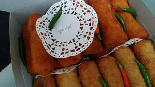 Frozen home cooked risoles, beef and chicken. 10pcs/pack.