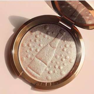 BECCA x JACLYN HILL CHAMPAGNE COLLECTION SHIMMERING SKIN PERFECTOR HIGHLIGHTER Brand New & Authentic (Price is firm)