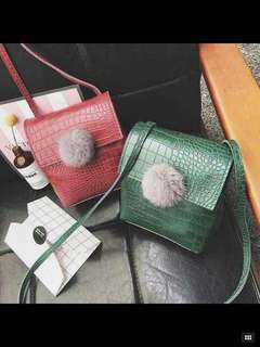 CUTE FUR BAG  AVAILABLE COLORS: GRAY BLACK MAROON GREEN