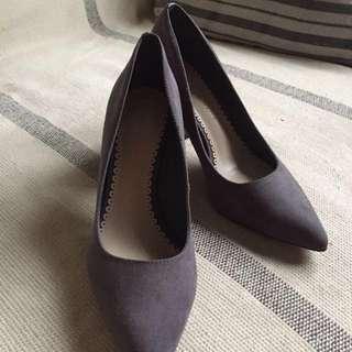 Charles & keith beaded pointed toe heels
