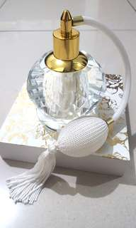 Botol parfum crystal with pump and white tassel