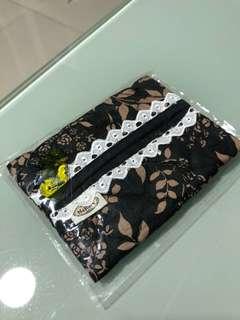 Naraya tissue case / napkin case