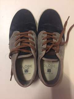 Globe skate shoes authentic