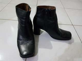 Black Low Cut Leather Boots