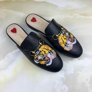 Gucci loafer twin tiger