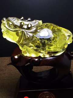 Natural yellow crystal dragon turtle.