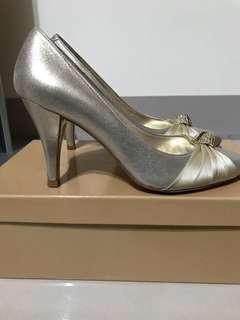 🚚 超美專櫃尖頭高跟鞋