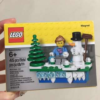 Lego 853663 Christmas Holiday Magnet