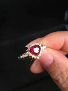 鮮紅的天然無燒紅寶石鑽石戒指 unheated Ruby ring