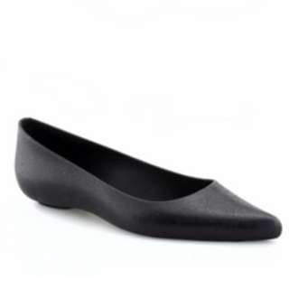 POINTY SCENTED BLACK FLATS